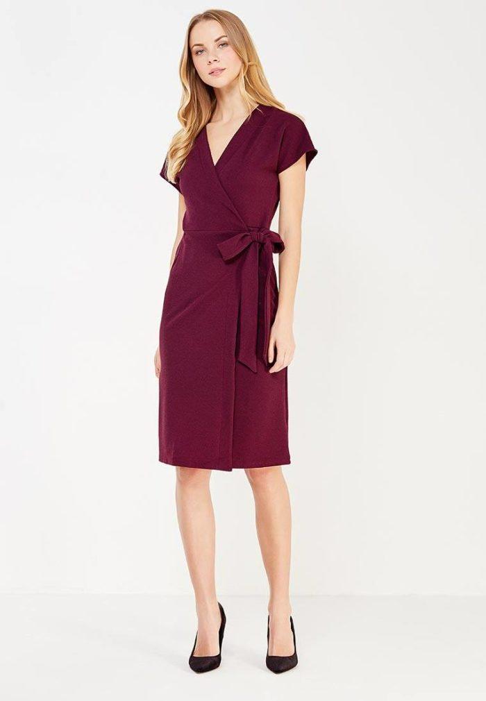 модное бордовое платье на запах