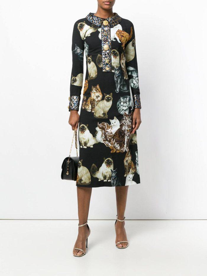 модные образы осень зима 2019-2020: платье миди с принтом