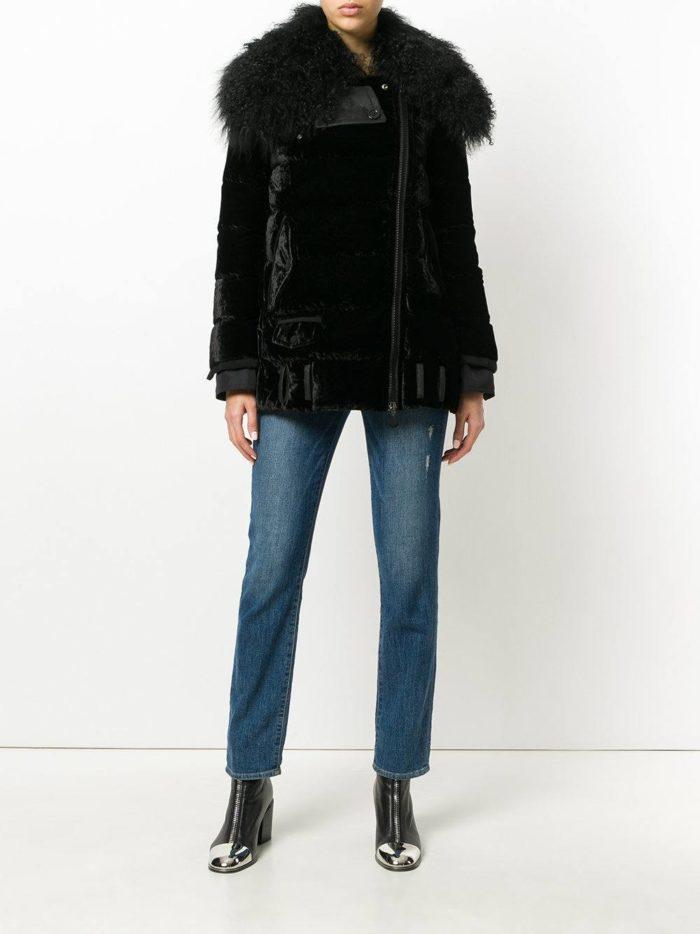 модные образы осень зима 2019-2020: черная куртка с мехом