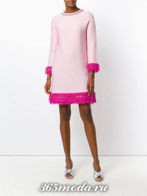 розовое мини платье с декором осень-зима