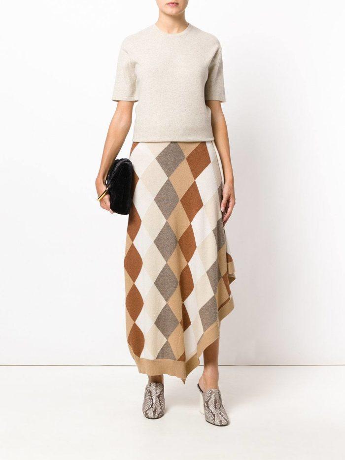 модные образы осень-зима: асимметричная юбка в клетку