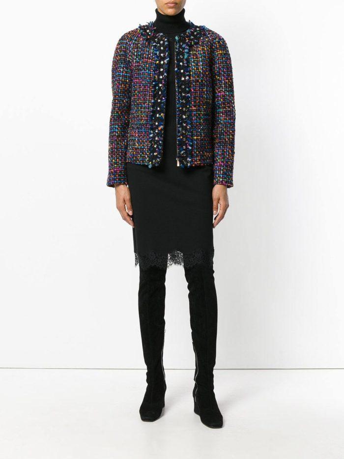 модные образы осень-зима: черная юбка с кружевом