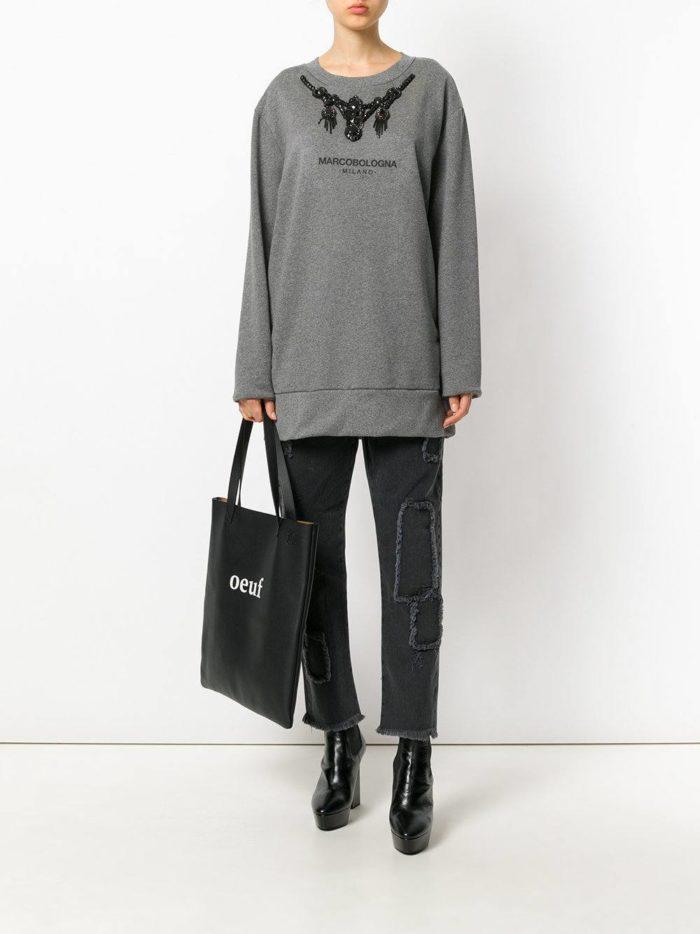 модные образы осень-зима: черные укороченные джинсы