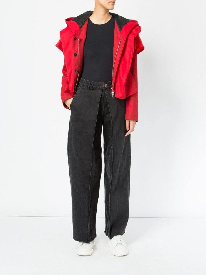 модные образы осень-зима: черные джинсы клеш