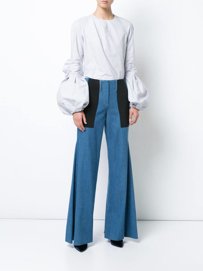 модные образы осень-зима: комбинированные джинсы клеш