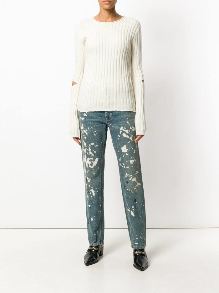 модные образы осень-зима: джинсы бойфренды с декором