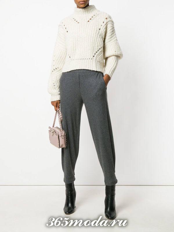 серые зауженные брюки осень-зима