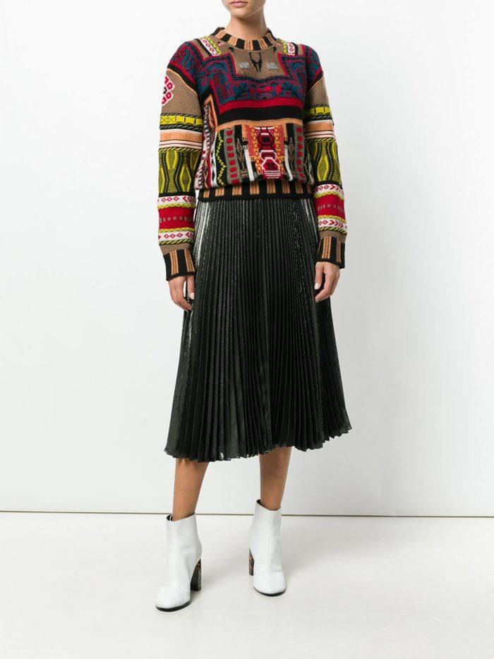 разноцветный свитер с узорами осень-зима