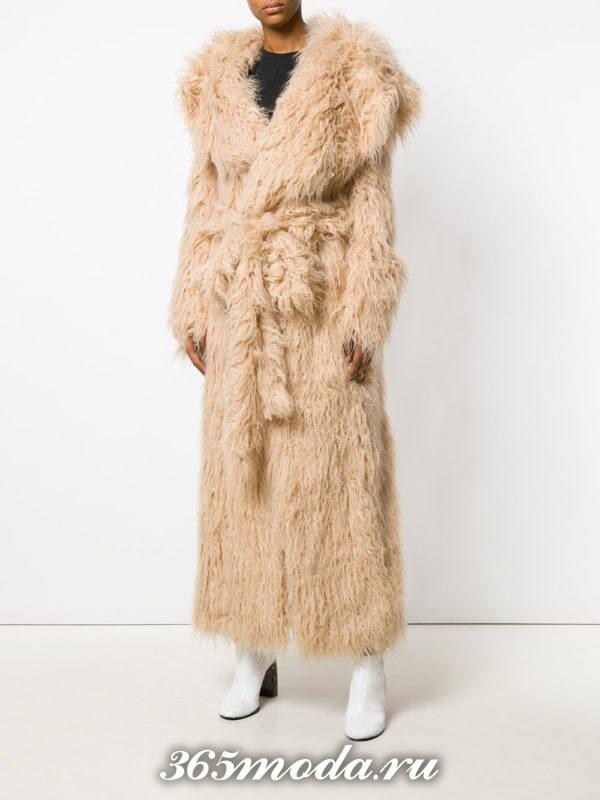 меховое бежевое пальто с поясом осень-зима