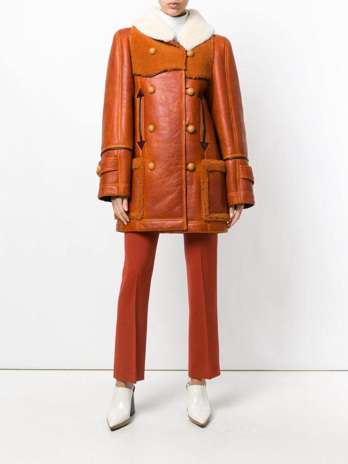 модные образы осень зима 2019-2020: рыжая дубленка с накладными карманами