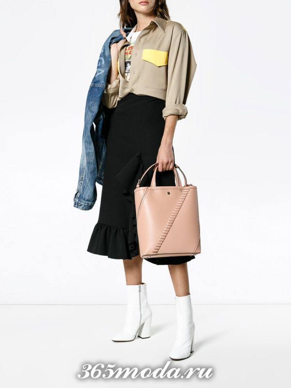 модный образ осень-зима с бежевой сумкой