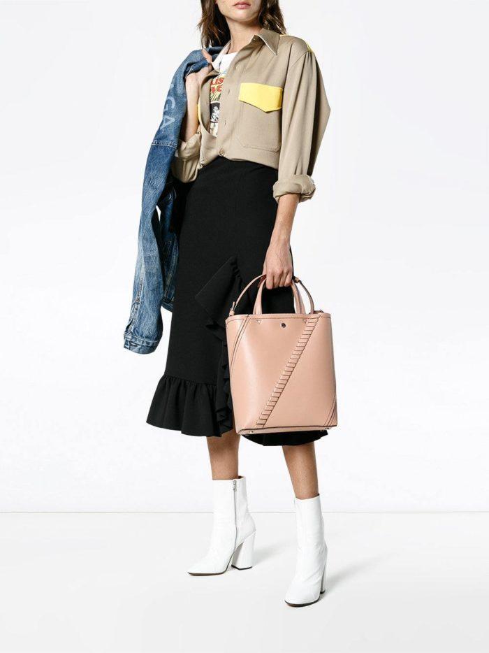 Модные женские образы осень-зима 2019-2020: с бежевой сумкой