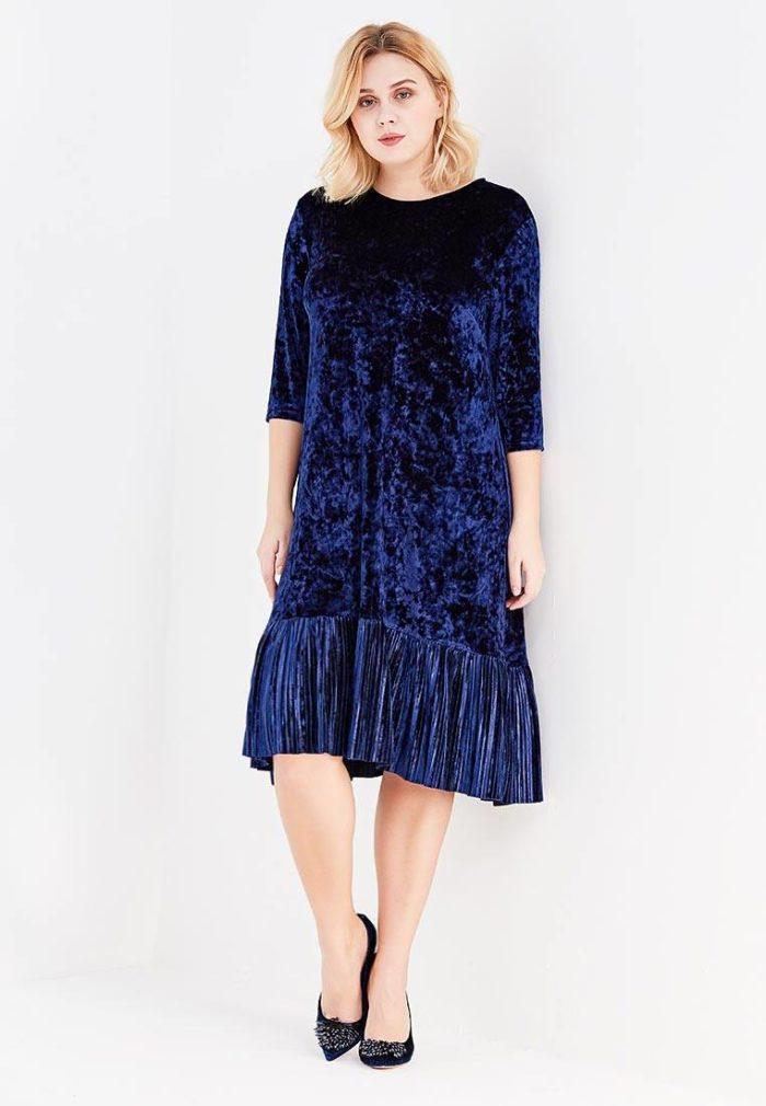 модные платья на каждый день: синее для полных с оборкой