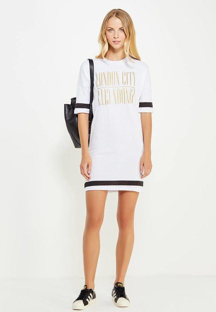 модные платья: белое мини с полосками