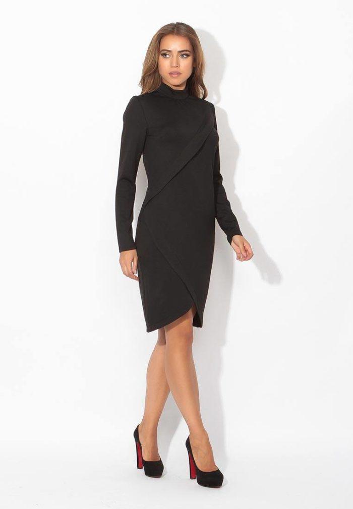 модные платья: черное с запахом
