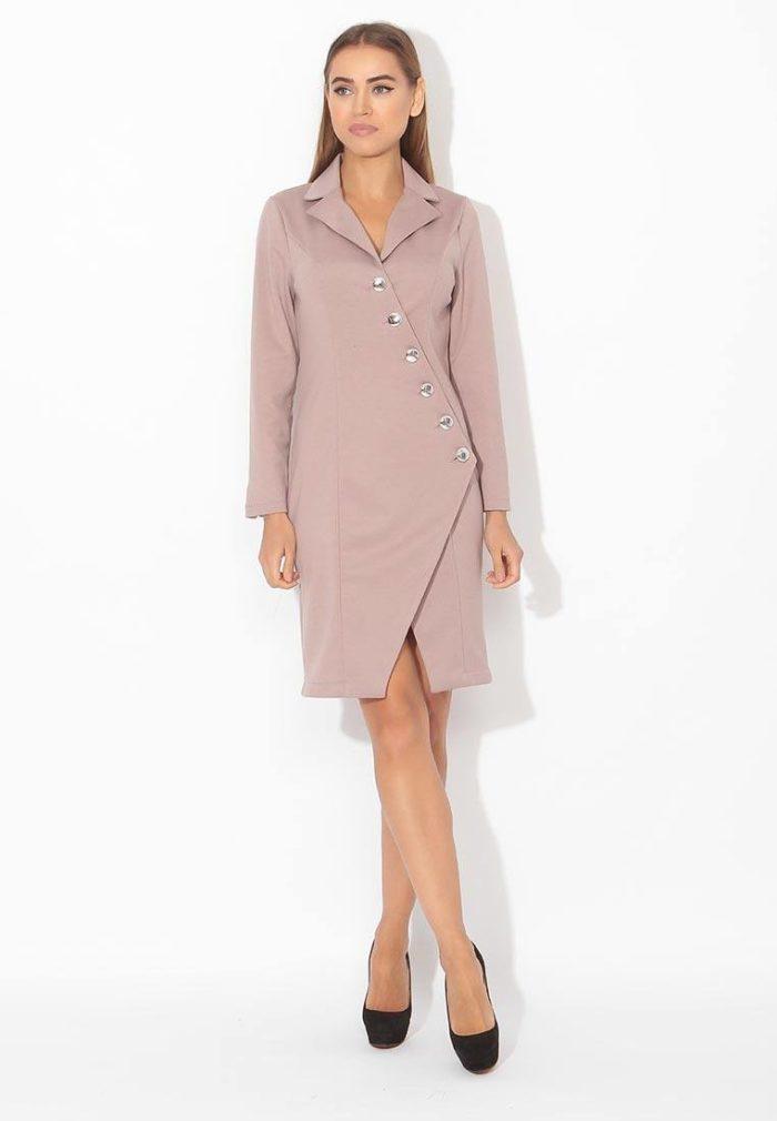 модные платья: нюдовое с запахом