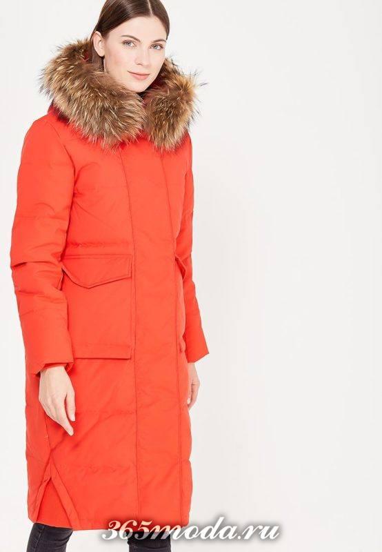 красный длинный пуховик с капюшоном осень-зима