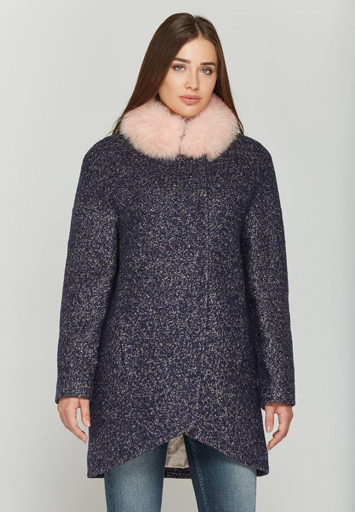 модные пальто осень зима: асимметричное с мехом на воротнике