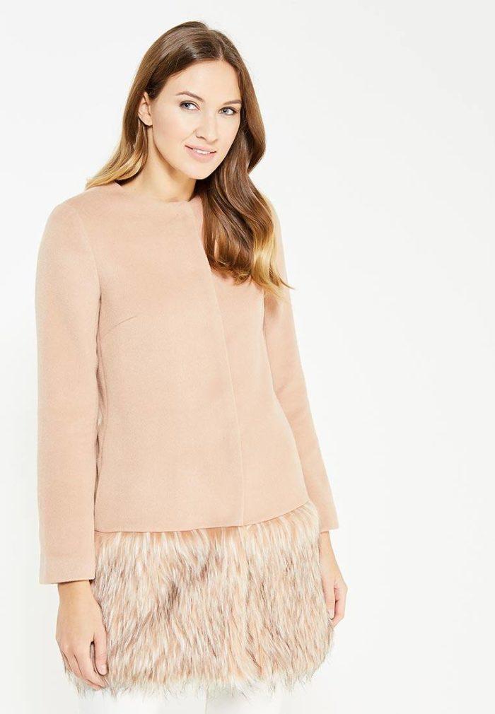 модные пальто осень зима: розовое с меховым низом