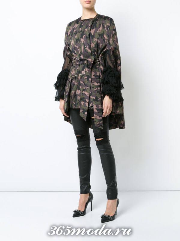 асимметричное пальто с поясом и оборками милитари осень-зима