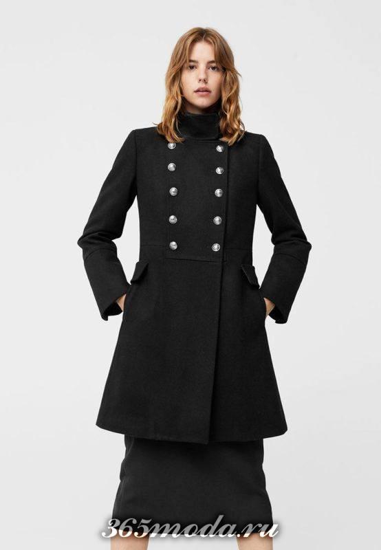 черное пальто милитари с декором осень-зима