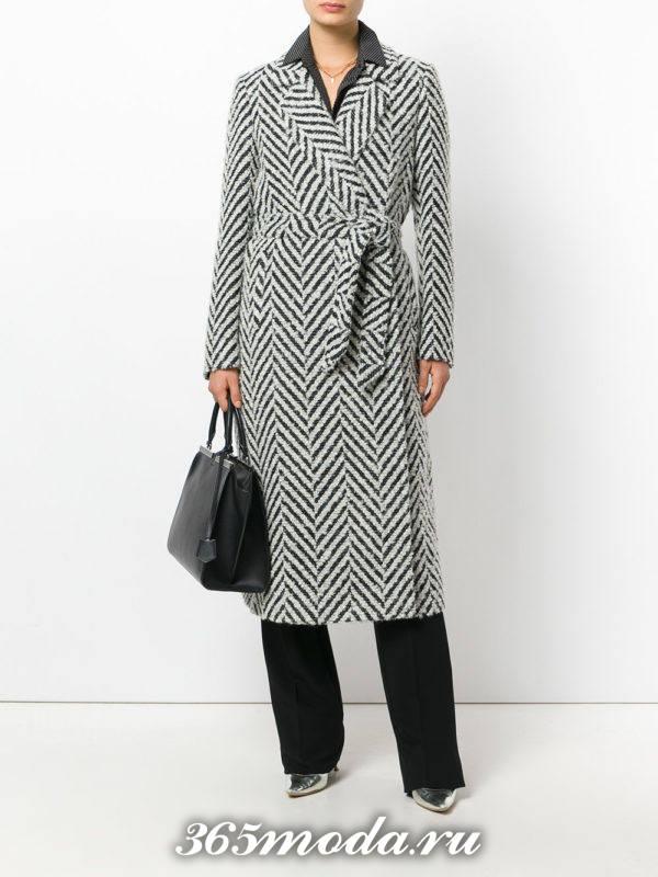 макси пальто с поясом и принтом осень-зима