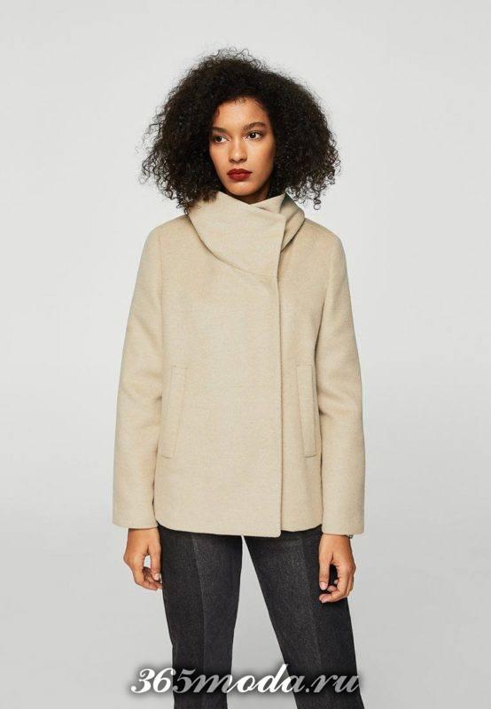 укороченное пальто с воротником-стойкой осень-зима
