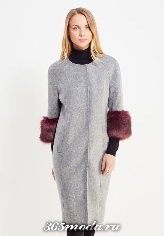 серое пальто с укороченными рукавами с мехом