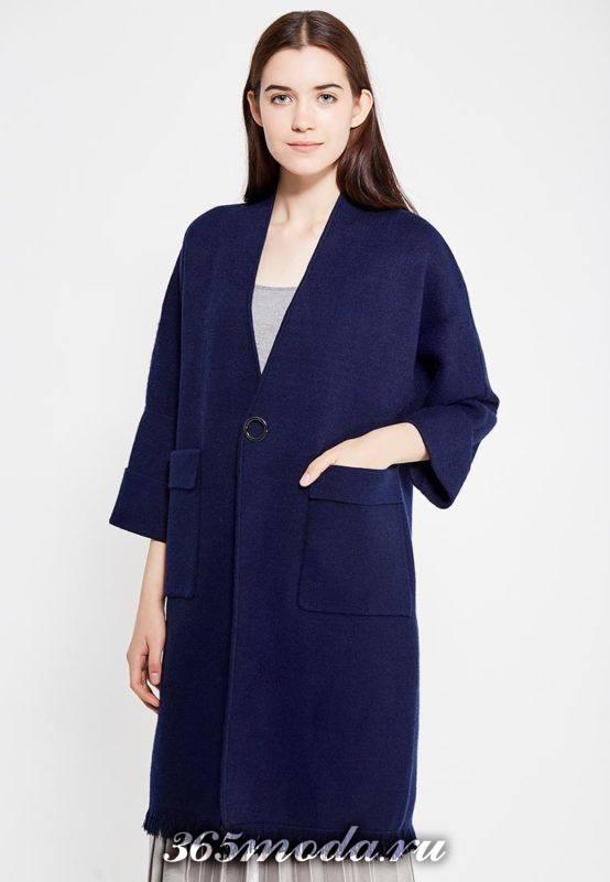 синее пальто с накладными карманами с укороченными рукавами