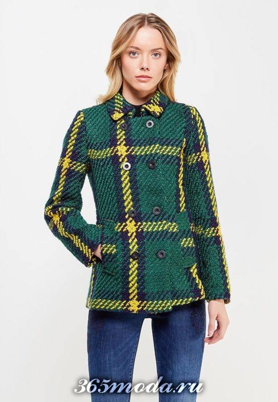 модные пальто осень зима: короткое в клетку