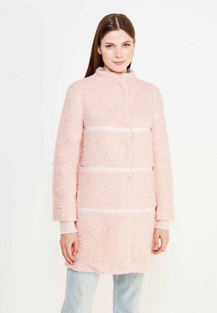 модные пальто осень зима: светлое меховое