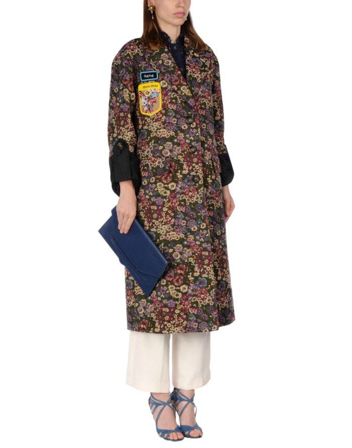 Модные сеты 2019-2020: с миди пальто с принтом