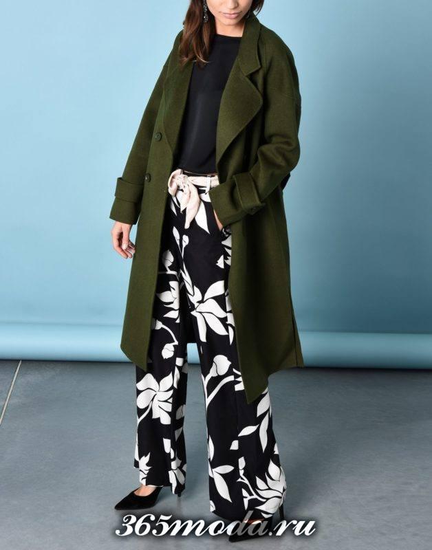 сет с зеленым двубортным пальто