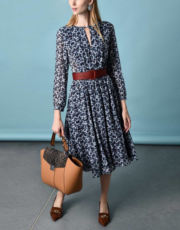 Модные сеты: с платьем клеш с принтом