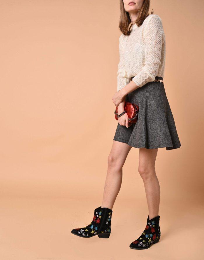 Модные сеты: с серой юбкой мини