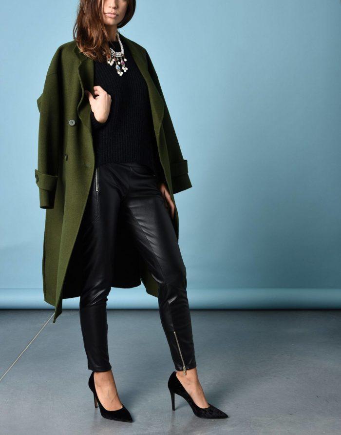 Модный сет: с кожаными брюками скинни