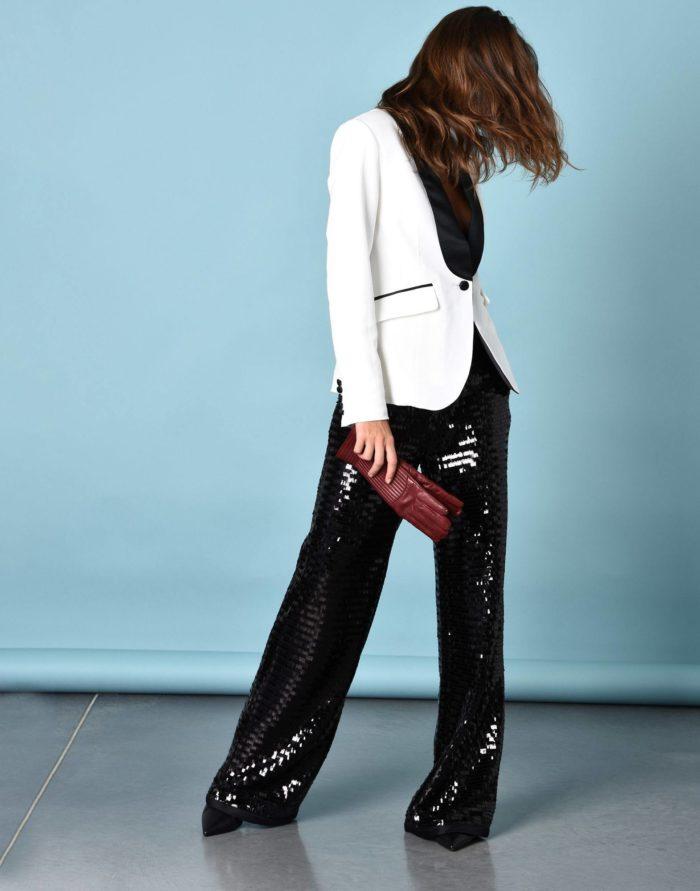 Модный сет: с блестящими брюками клеш