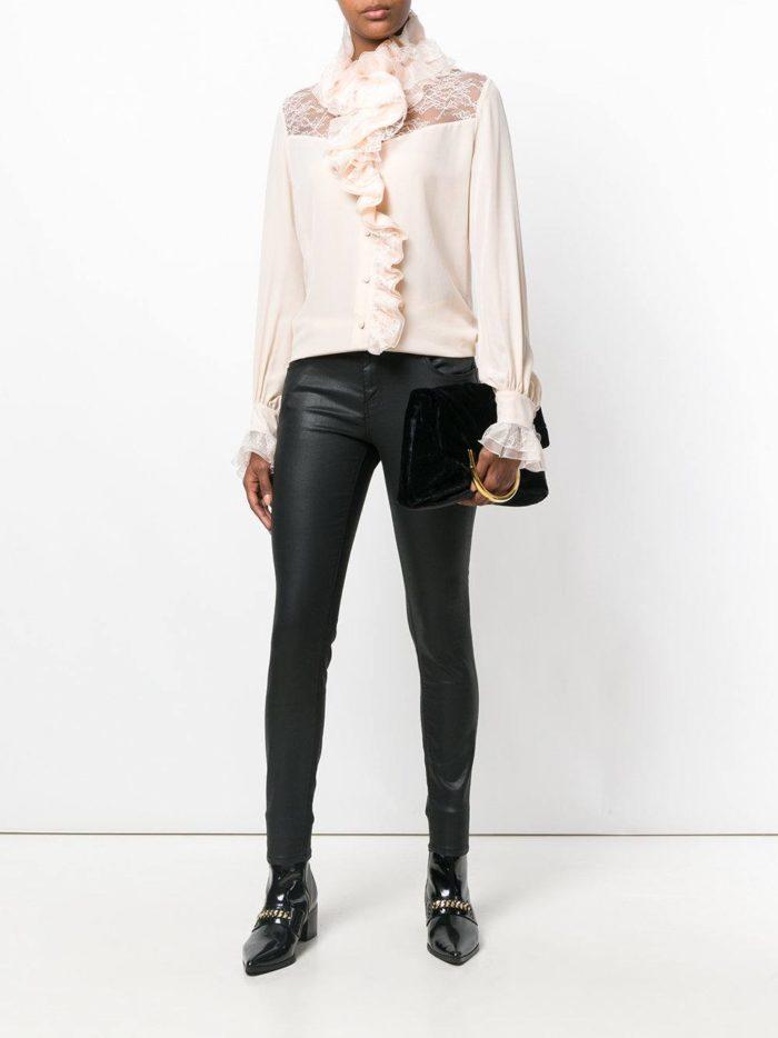 Модный сет: с блузой с оборками