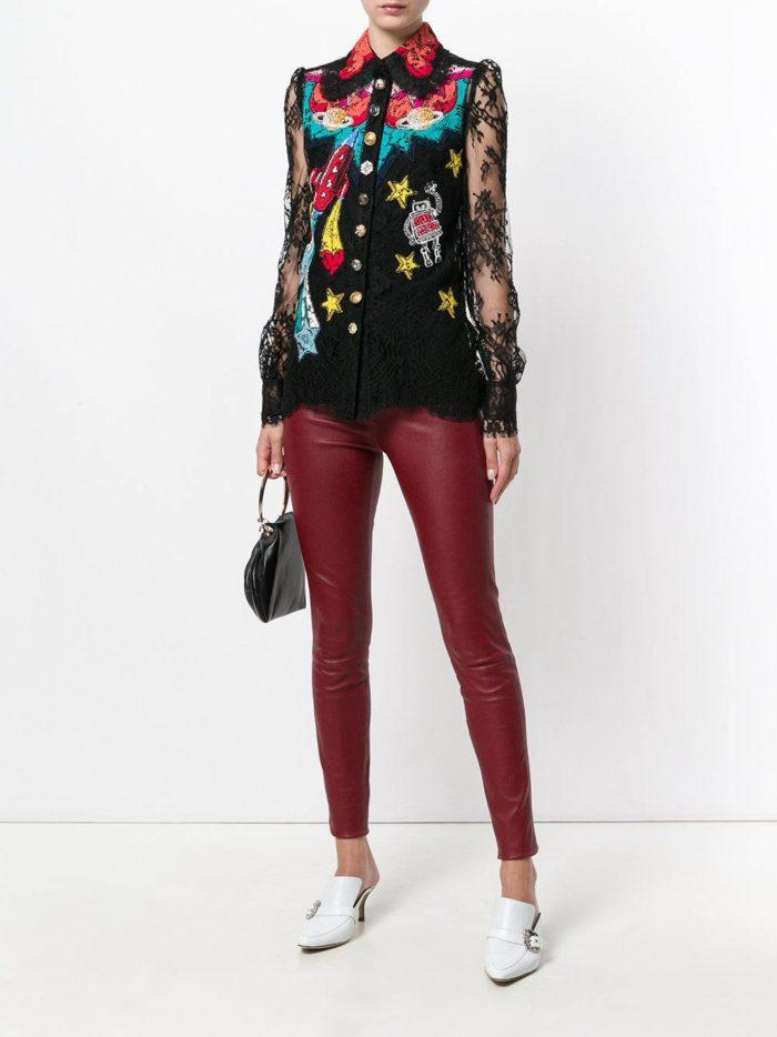 Модный сет: с темной блузой с принтом