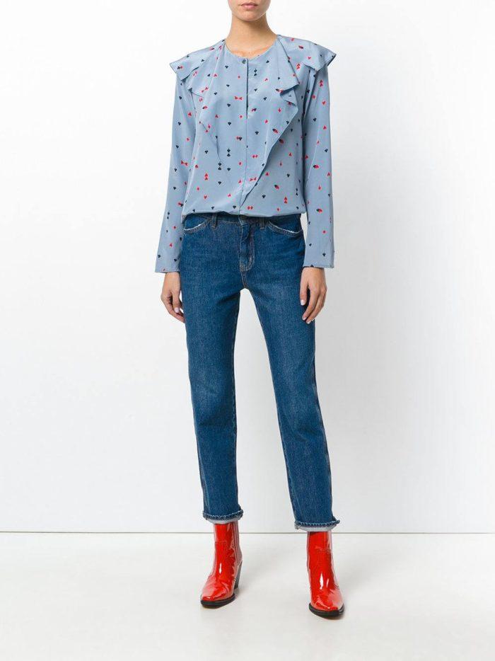Модный сет: с голубой блузой с оборкой