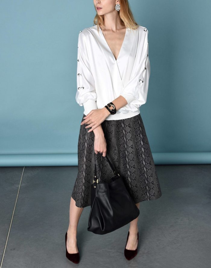 Модный сет: с белой блузой с декором