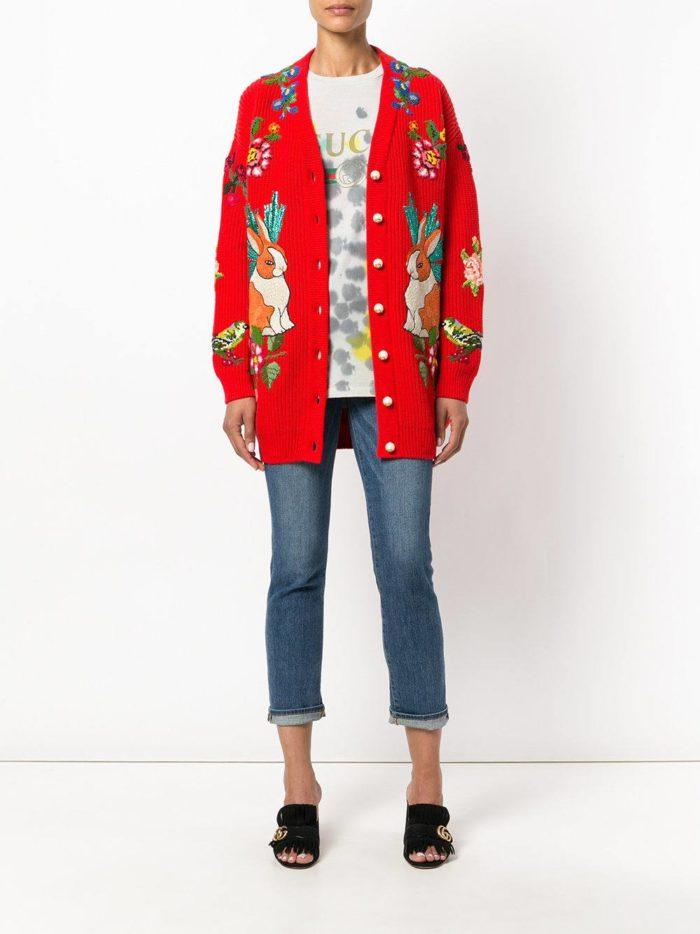 Модный сет: с красным кардиганом с принтом