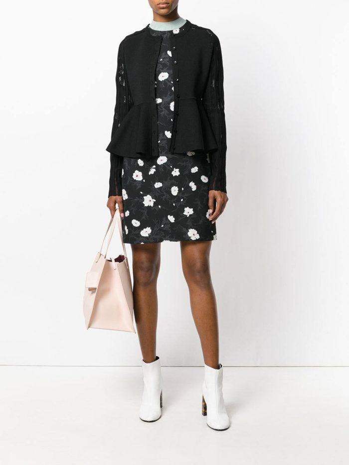 Модный сет: с черным кардиганом с баской