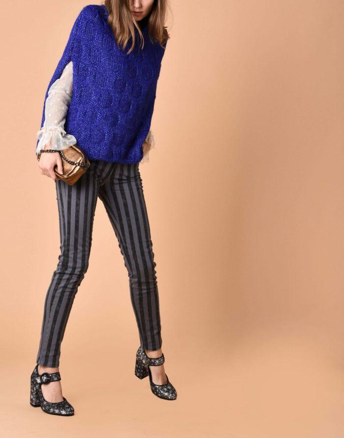 Модный сет: с синим пончо без рукавов