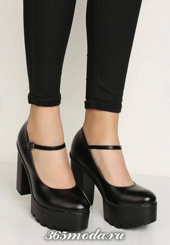 черные туфли с пряжеой на тракторной подошве