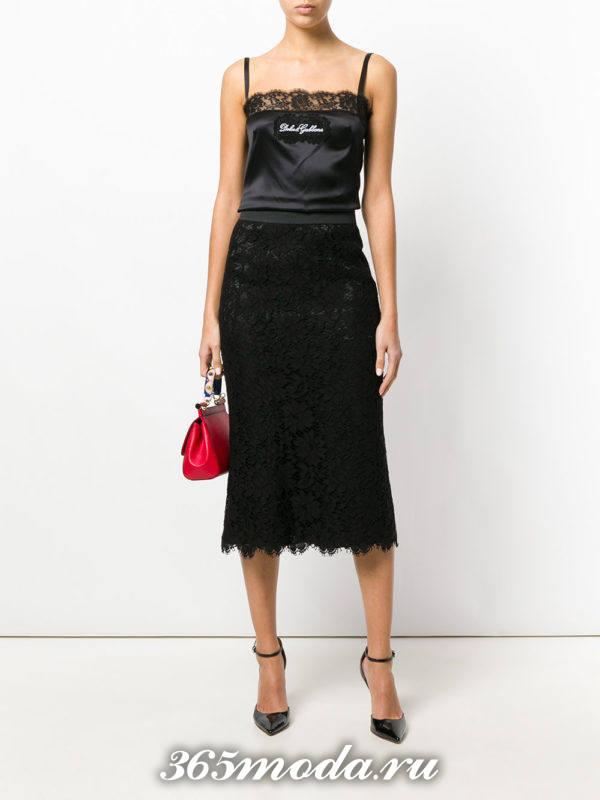 гипюровая темная юбка карандаш с черным топом на бретелях с чем носить