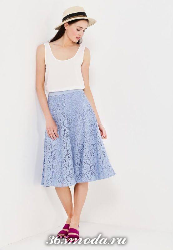 гипюровая голубая юбка полусолнце с белой майкой с чем носить
