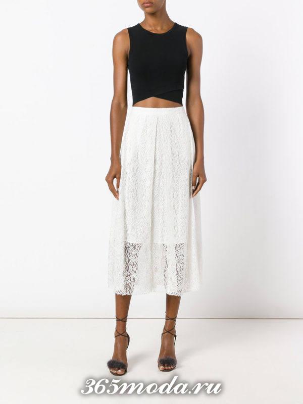 с чем носить гипюровую белую юбку полусолнце с коротким топом