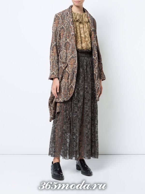 цветная длинная гипюровая юбка плиссе с удлиненным пиджаком с чем носить