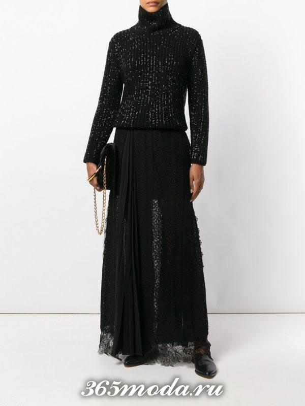 длинная черная гипюровая юбка с черным свитером под горло с чем носить